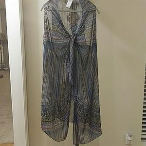 Jessica Simpson bathingsuit cover-up